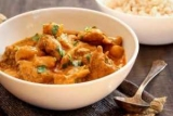 Як гасити картоплю з куркою? Покроковий рецепт приготування з фото