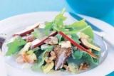 Рецепт салату з куркою, сухариками і кукурудзою